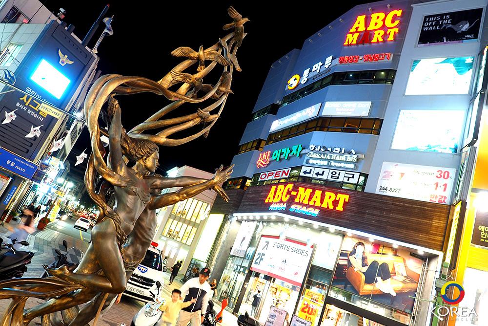 นัมโพดง Nampodong Shopping Streetถนนช้อปปิ้ง