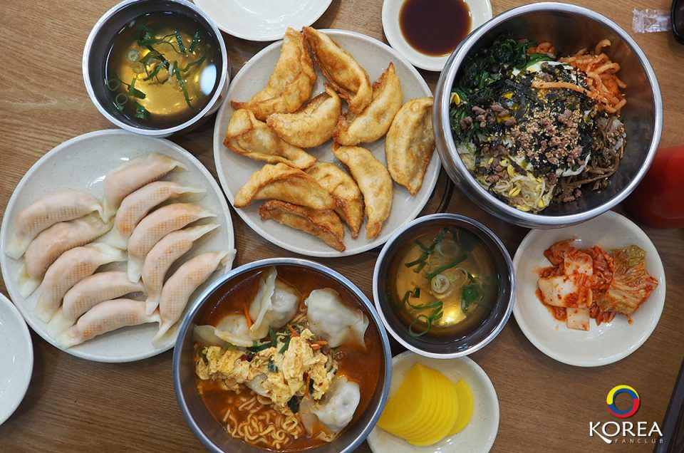 Boyoung Mandu (보용만두) เกี๊ยวซ่า ร้านดังแห่งเมือง ซูวอน